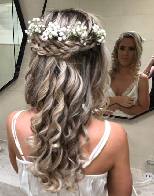Bride hair curled