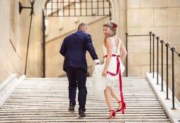 brides wears red