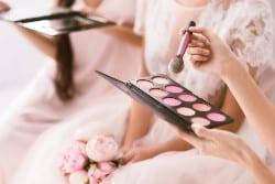 apply makeup blush